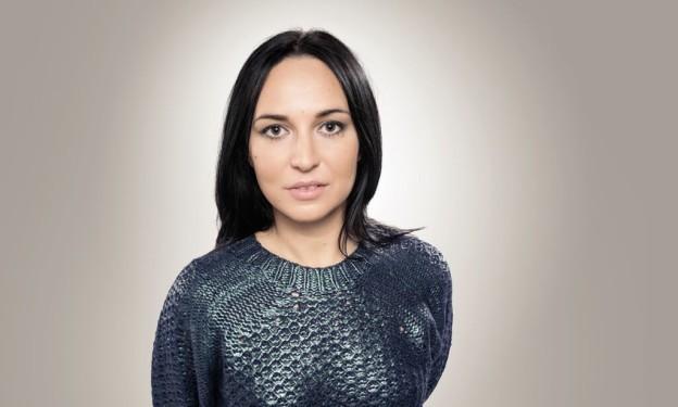 Annie Errez