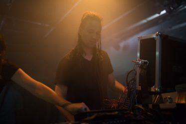 Konstantin Gervais - between the wires